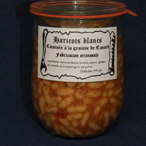 Présentation d'une conserve de haricots cuisinés à la graisse de canard
